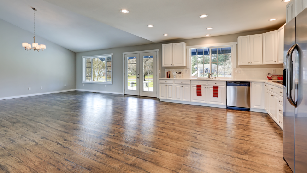 4 Reasons to Pick Hardwood Flooring over Other Options